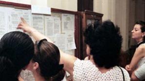 Elevii pot consulta online broşurile ce cuprind informaţii despre liceele din ţară