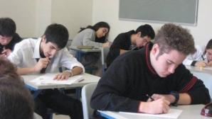 BACALAUREAT 2012: Şaşe elevi au fost eliminaţi de la proba C pentru tentativă de fraudă