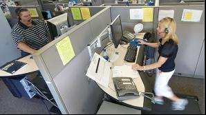 Poţi să faci mişcare la birou! Unele firme au instalat bandă de alergare la locul de muncă
