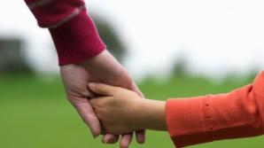 REPORTERII REALITĂŢII: Copii cu copii