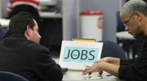 Urmezi o facultate cu mai mulţi absolvenţi decât cere piaţa? Vezi cum poţi să îţi găseşti JOB