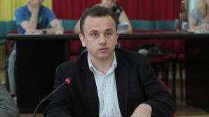 Liviu Pop i-a avertizat pe directorii şcolilor în legătură cu prezenţa camerelor de supraveghere