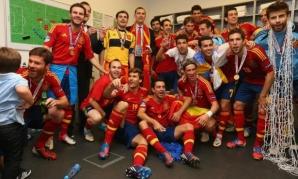 Principele Felipe, alături de campionii Europei