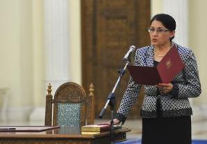 Ministrul Educaţiei, Ecaterina Andronescu prezintă REZULTATELE FINALE BACALAUREAT 2012