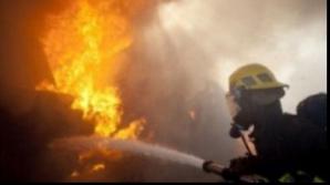 INCENDIU în Otopeni. Un incendiu a mistuit făcut două victime şi un rănit