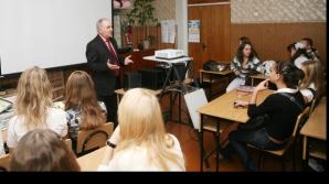 BACALAUREAT 2012, SESIUNEA a-II-a: O treime din candidaţi au primit certificat de avansat la română