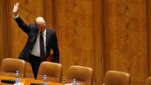 Băsescu, întrebat de demisie: Alţii trebuie să o facă! Lăsaţi-mă în plata mea!