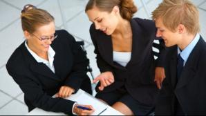 3 paşi care te vor ajuta să te faci remarcat la birou din prima zi de lucru
