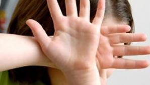 O fată de 11 ani din Orăştie a rămas însărcinată cu un tânăr de 19 ani
