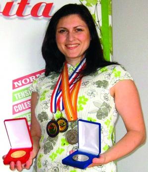 Simona Bişboacă - orădeanca de 32 de ani care a inventat elixirul tinereţii