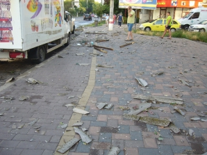 O furtună puternică a făcut prăpăd în Bacău