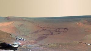 Panoramă spectaculoasă realizată pe suprafaţa planetei Marte