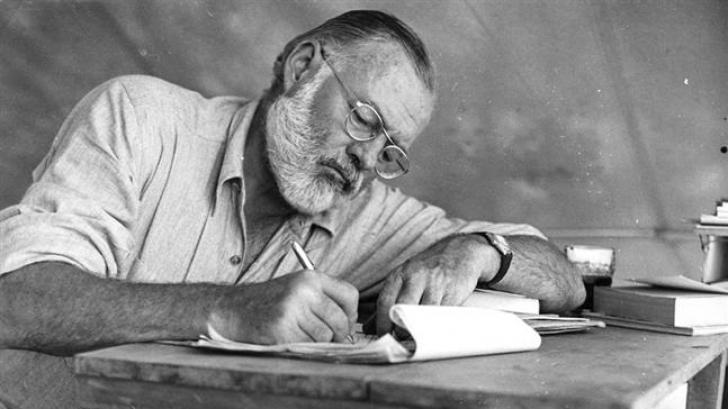 """Romanul """"Adio, arme"""", cu cele 47 de finaluri alternative imaginate de Hemingway, publicat în SUA"""