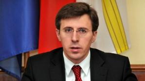 Vlad Filat și Dorin Chirtoacă au fost invitați la nunta Elenei Băsescu
