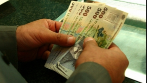 Economiile românilor s-au triplat în patru ani de criză