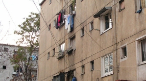 O fetiţă a căzut de la etaj în Alba Iulia