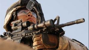 O femeie-soldat nu ştia de sarcină
