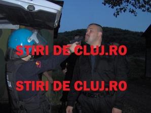 Poliţiştii DIAS Cluj au făcut CHIOLHAN cu iubitele în poligonul de tragere