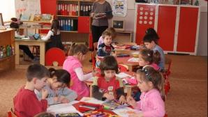 România, printre ţările care au INTERZIS plasarea în instituţii a copiilor cu vârste sub 3 ani
