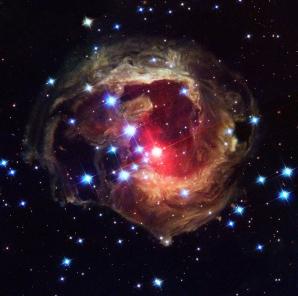 "Praful cosmic, iluminat de ""fantoma"" unei explozii stelare"