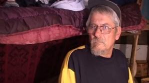Un pensionar hunedorean trăieşte de 13 ani într-o colibă