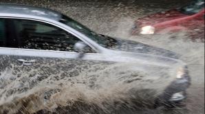 Pasajul Unirii este inundat
