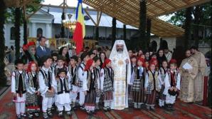 Patriarhul Daniel trage clopotele învăţământului