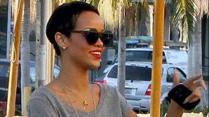 Rihanna s-a tuns băieţeşte