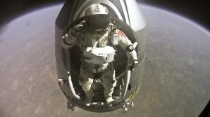 Imagini spectaculoase cu momentul saltului din spaţiu