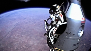 Felix Baumgartner a depăşit viteza sunetului în cădere liberă