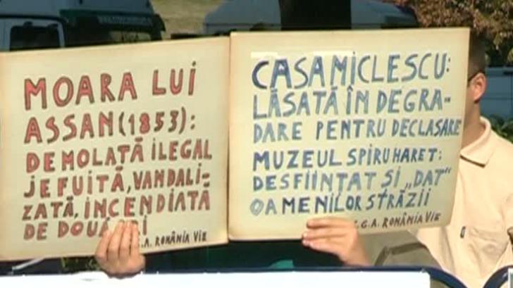 Scandal la Hala Matache: 25 de protestatari, ridicaţi de jandarmi
