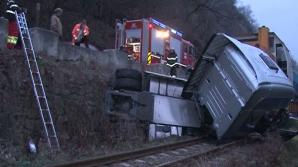ACCIDENT FEROVIAR pe Valea Oltului: Un tren a lovit un tir bulgăresc