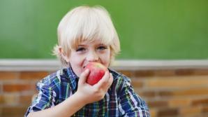 Fiecare elev va primi câte un măr pe zi.