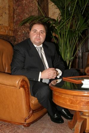 Cristian RIZEA, pe vremea când era Director General al Agenţiei Naţionale pentru Sprijinirea Iniţiativelor Tinerilor, ANSIT