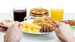 Micul-dejun al parlamentarilor costa UN MILION DE EURO