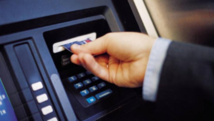 ATENŢIE! Metodă nouă de furt din bancomate