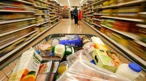 10 trucuri prin care supermarketurile ne păcălesc să cheltuim mai mulţi bani