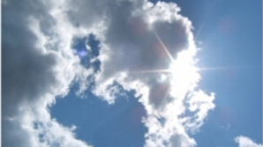 Vreme frumoasă, cu maxime de PLUS 12 grade. Prognoza pe trei zile