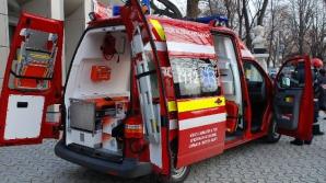 Trei persoane au fost rănite după ce maşina în care se aflau s-a răsturnat pe DN 17
