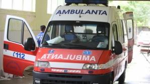 Pieton mort după ce a fost lovit de o maşină care a derapat, pe DN 64