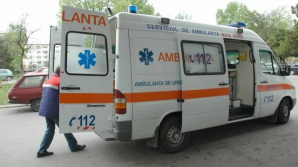 O fetiţă de şapte ani a murit, iar mama sa a fost rănită grav în urma unui accident în Alba