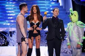 Bianca Drăguşanu şi Victor Slav, striptease sexy de Revelion