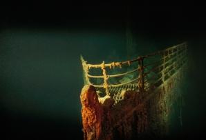 1991 - OCEANUL ATLANTIC – Sunt fotografiate rămăşiţele vasului Titanic, naufragiat în aprilie 1912