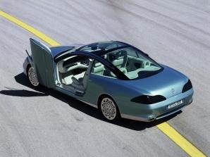 Mercedes F200, mașina fără volan și fără pedale
