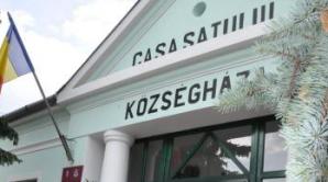 Satul în care drapelul maghiar flutură lângă cel românesc