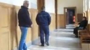 Tatăl unei prostituate a confirmat că i s-a propus să-şi ofere copilul unui magistrat