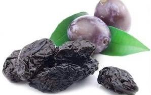 Prunele uscate, beneficii surprinzătoare pentru sănătate