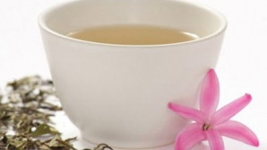 CEAIUL ALB, cel mai bun aliat în detoxifiere şi slăbire / Foto: caloricious.com