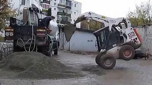 Acrobații cu un buldozer la Cluj-Napoca