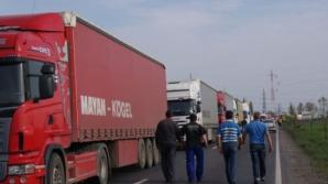 Peste 21.000 de autobuze si camioane, verifiate de politisti